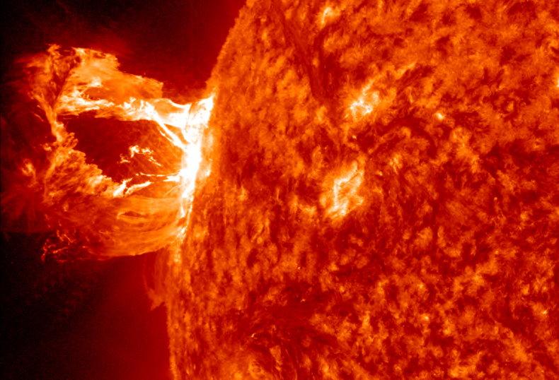 eruption-solaire-2014